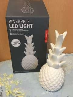 LED light (made of porcelain)