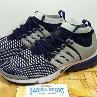 Sepatu Nike Air Presto Running.
