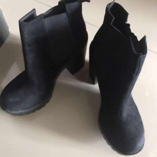 Boots Hitam Divided H&M Ori