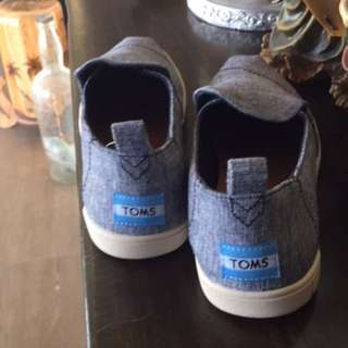 TOMS size7