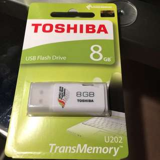 Thumbdrive 8GB Toshiba