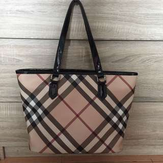 Burberry tote bag authentic