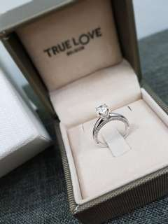 Attractive Diamond Ring