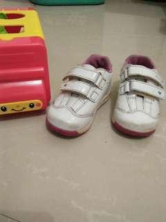 Sepatu Disney Princess size 21