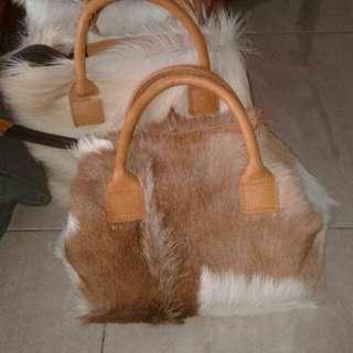 Tas kulit sapi asli
