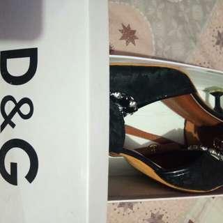 Sepatu D & G