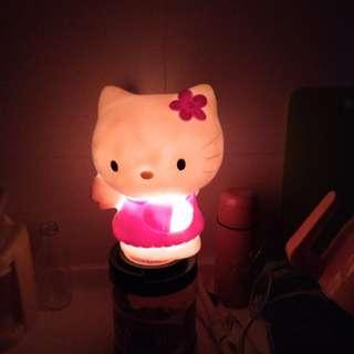 🚚 可愛的hello kitty夜燈