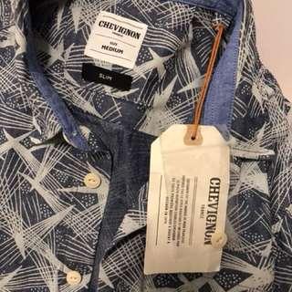 (New) Chevignon Mens M Print shirt
