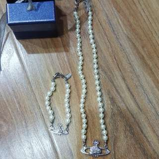 Vivienne Westwood inspired pearl necklace