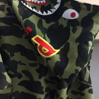 Bape 綠迷彩鯊魚 L號 (可交流)