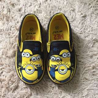 minion ME2 shoes