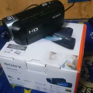 SONY HDR-PJ410 (Full HD& Projector)