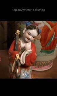 Pretty maiden figurine