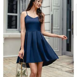 Looking for : theory theory back to back dip hem navy dres