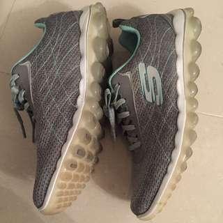 Skechers鞋(尺寸25)