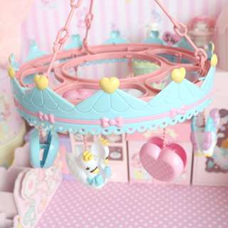 BMT366 - Sweet Carousel Mini Clothes Hanger