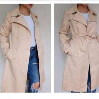 Flesh thick fabric trench coat with belt