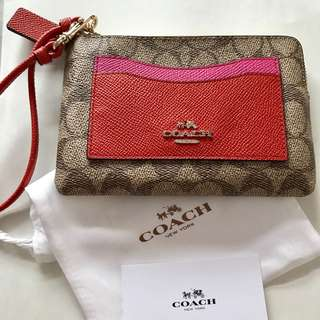 Coach Signature Wristlets Bag  100%new and real