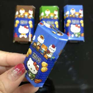 3D Realistic Miniature Magnet - Hello Kitty Burger Cookies Blue