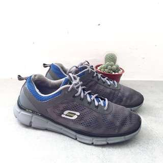 AUTHENTIC Skechers Gel Top Grey Running/ Walking Shoes