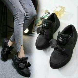 Sepatu kets puma Bow hitam