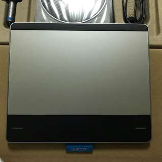 Wacom Intuos Pen & Touch 繪圖板 CTH-480