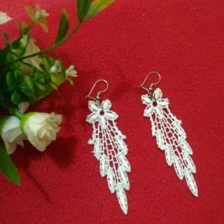 Anting lace