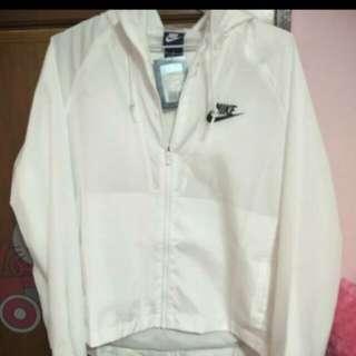 Nike白色風衣外套