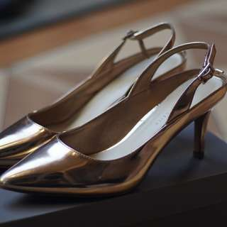 Charles and Keith CnK Rose Gold