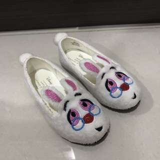 Charles & Keith Alice and Wonderland Size 23