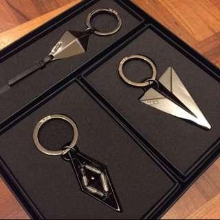 Tumi keychain ring set