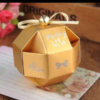 Ready Stocks 20 Pieces Golden Ball Shape Door Gift Favors Box