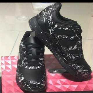 Unisex Shoes! Brand New! :)