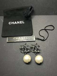 CHANEL 閃石珍珠耳環