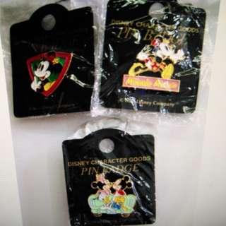 珍藏 Mickey及Minnie 金屬襟章