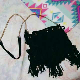 H&M sling tassel bag (gold chain)