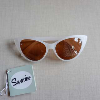 SUNNIES STUDIOS Sunglasses, Lolita in Powder w Green Pouch, New