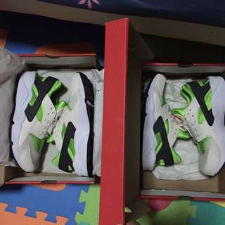 Nike Air Huarache 2 Pairs