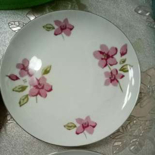 Plates and saucer