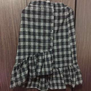 Black checker Fashion skirt (BN without tag)