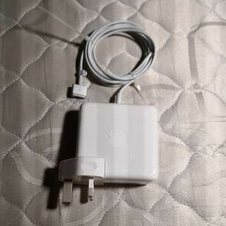 85W Magsafe 2 power adapter (Macbook)