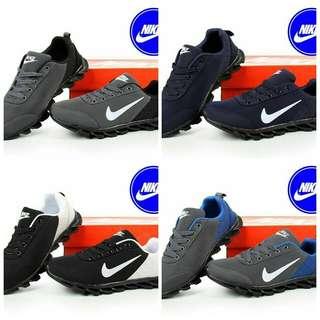 Sepatu sport branded