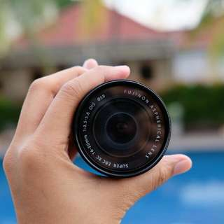 Lensa Fujifilm 16-50mm