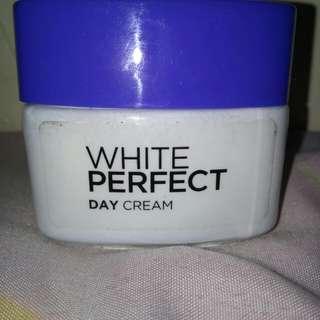 Loreal paris white perfect day cream