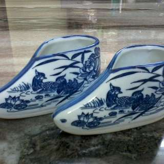 Chinese porcelain sheo decor