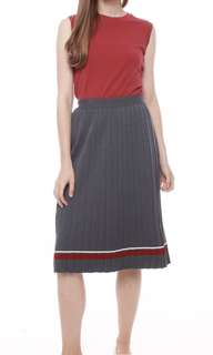 Pleated knitted skirt (PO)
