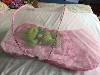 Newborn baby net
