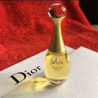 💯%Aunthentic 👉Christian Dior j'adore  Perfume Miniature👉5ml                                      🌟Limited Edition                                                                        ❤️Brand New🌟Price $20👉Free postage