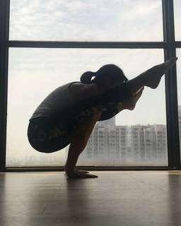 yoga class lunch time 1~2pm wednesday