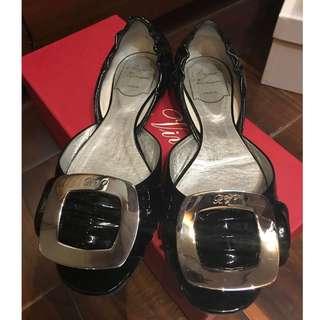 正品 Roger Vivier (RV) 黑色漆皮露趾平底鞋 (35.5號)Authentic RV Black Patent Shoes